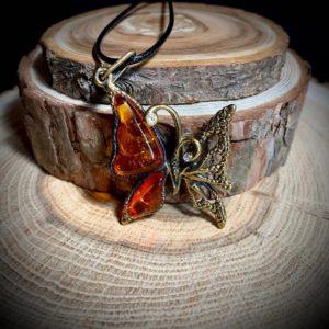 Амулеты из янтаря и латуни